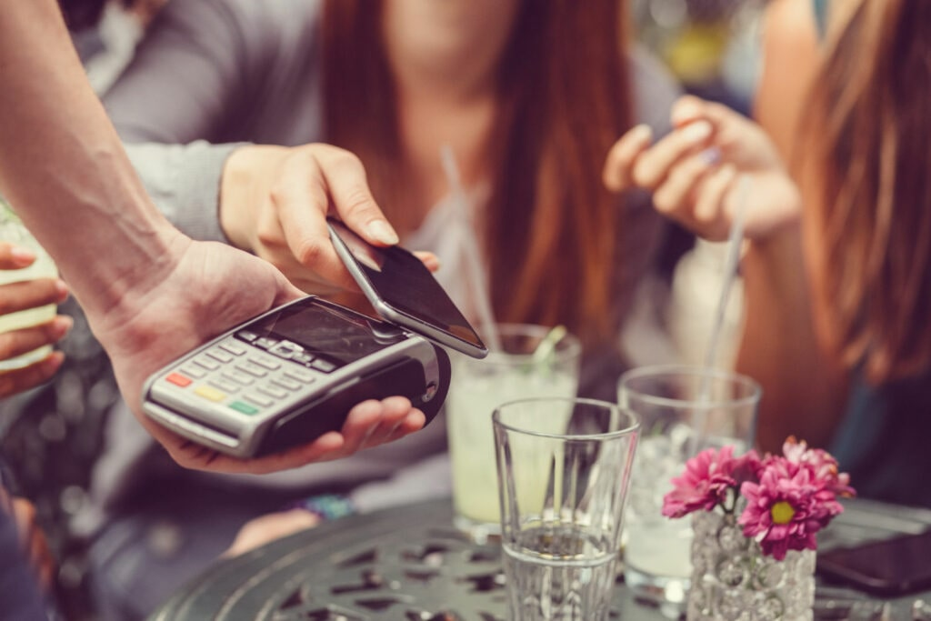 Image using smartphone for contactless payment